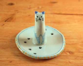 Cat ring dish 14 ceramic ring holder jewelry holder animal lover ring plate porcelain small gift mothers day anniversary engagement gift