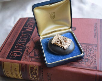 ANtique Leather Pocket Watch Locket Box, Velvet silk Display Box, Heirloom Display Box, Jeweler gift box, Collector's gift
