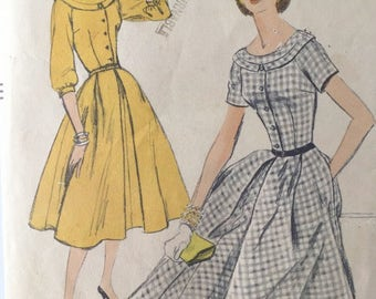 Vogue 8877 One Piece Dress, 1950's Pattern, Scoop Neck, Fit and Flare, Vintage Size 12