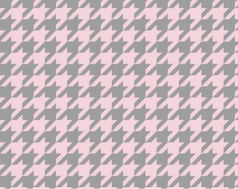 Medium Houndstooth T/T Baby Pink and Gray-One Yard- Riley Blake