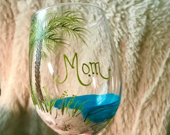 Free shipping Palm trees beach wine glass hand painted for mom and personalized gifts for friends and family