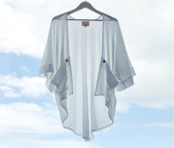 Rose Kimono Pocket Cardigan / White Fishtail Sweater Knit
