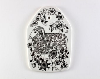 Figgjo Flint  - Zodiac Aries plaque  - Designed by Turi Gramstad Oliver - Made in Norway.