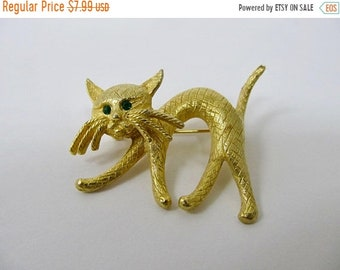 On Sale Vintage Textured Rhinestone Cat Pin Item K # 1693