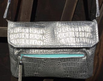 A Stunning Large Convertible Clutch / Shoulder Bag in Faux Leather - Free P&P within the UK