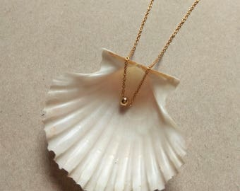Gold minimalist necklace