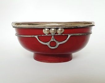 Ornament Metal & red glazed pottery Bowl