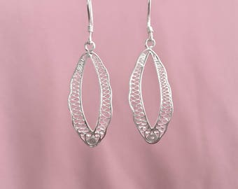 Art Deco Earrings Silver Lace Filigree Earrings with a Wide Oval Embroidered Silver Frame Earrings Silver Oval Earrings 194