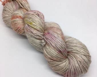BEE BLISSFUL in Tulip / baby alpaca, silk, cashmere / DK  / 100 g / 225 m