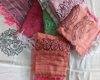 Hand-woven Cotton Cloth with Woodcut patterns