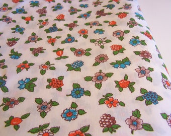 1970s Poly/Cotton Floral Fabric 3-2/3 yards long