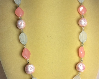 Gorgeous Vintage Peach Necklace