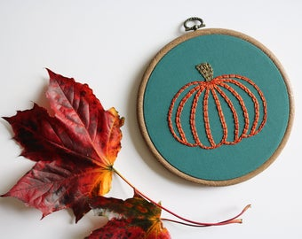 Pumpkin Autumn Halloween Embroidery Art, Hand Embroidery, Wall Hanging, 6 inch Vintage Style Hoop
