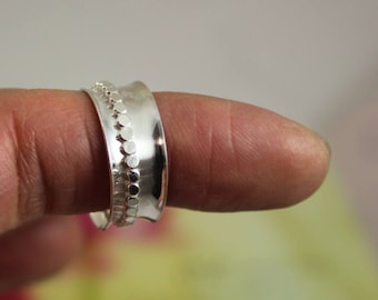 SIZE 7.5 - Beaded spinner ring, meditation ring, narrow band, kinetic, sterling silver,