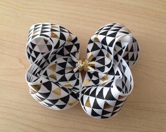Geometric Triangle Black&Gold Bow