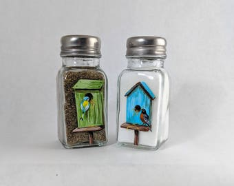Farmhouse Spring Decor for Kitchen Table Salt and Pepper Shakers Country Kitchen Table Spring Decoration Birds and Birdhouse Decor