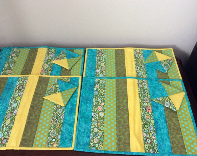 Quilted Placemat and matching coaster set (4)