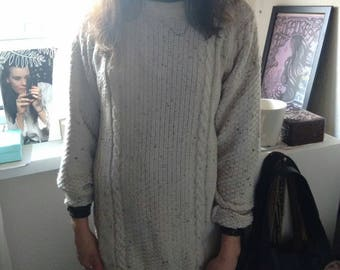 Oatmeal Wool Mix Jumper/longer length/Size Small to medium.
