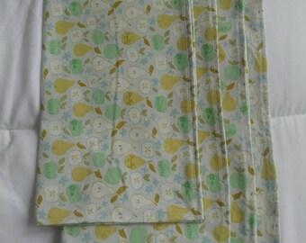 Cloth napkins pears apples zero waste