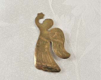 Vintage Gold Tone Decorated Angel Pin Brooch