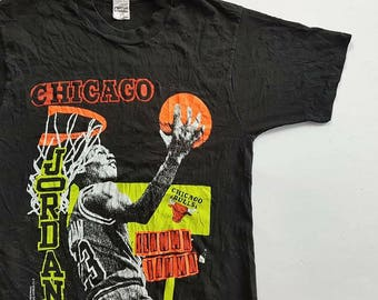 Vintage 90's Michael Jordan Chicago Bulls Slamma Jamma T Shirt size L (W 20.5 x L 30)