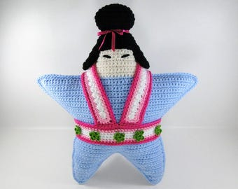 Kokeshi Doll - Crochet Pattern - Crochet Kokeshi Doll - Kokeshi Doll Crochet Pattern Lily - Star Pillow #102 - Instant Download PDF