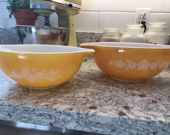 Vintage 2-pc Pyrex Butterfly Gold Mixing Bowls 442 and 443
