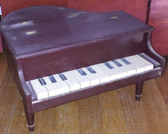 1950s Child's Baby Grand Piano Toy Vintage Toy Grand Piano Rustic but Fun!
