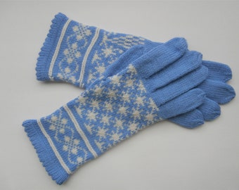 Hand knitted woman gloves, size M