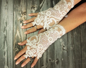 Ivory lace gloves, wedding gloves beaded pearls, ivory bridal lace fingerless gloves, french lace gloves, bridesmaid gloves, desert wedding