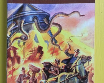 The War of the Worlds - Herbert George Wells - Russian Publication, English Version