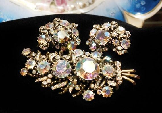 HOLLYCRAFT Rhinestone Brooch and Earrings / Demi Parure