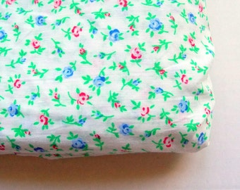 Vintage Fabric / Pretty Blue & Red Rose Floral Calico Print - One Yard