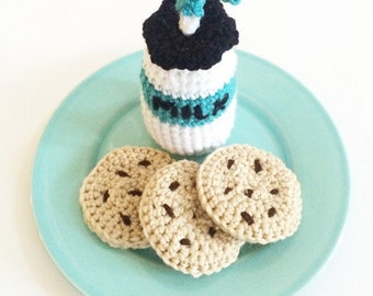 Crochet milk and cookies