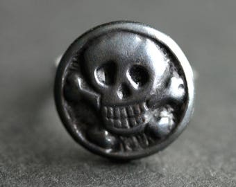 Skull and Crossbones Ring. Pirate Ring. Skull Ring. Gunmetal and Silver Button Ring. Adjustable Ring. Pirate Jewelry. Handmade Jewelry.