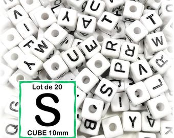 """20 pearls """"S"""" alphabet 10 mm - 10mm cube letter beads"""