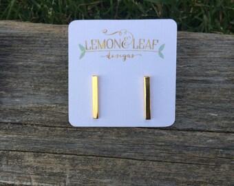 Gold Line bar, Bar stud earring, Gold Bar earring, Minimalist Earring, delicate gold earring