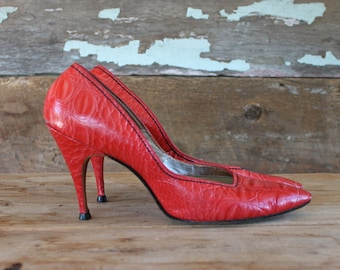 1960s red stiletto shoes by Henry Waters | size 9 | 60s high heels