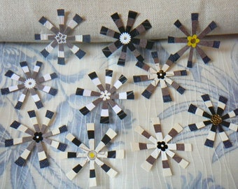 """Flowers for decorations of pages or cards, model """"black and white"""" by 10"""