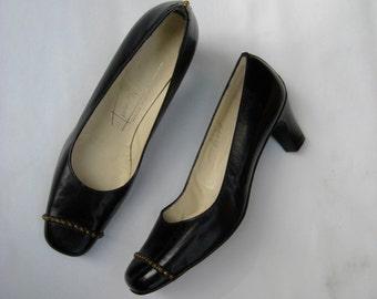 Vintage 60s pumps, black 60s shoes, black vintage pumps, embellished black pumps, italian pumps