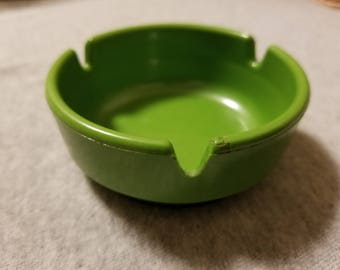 Vintage Green Plastic Ges-Line 301 Ashtray Made In USA