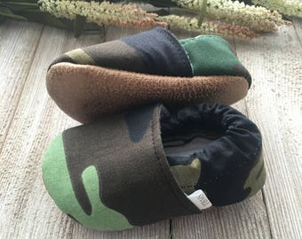 camo baby moccasins, camo toddler moccasins, baby moccs, baby shoes