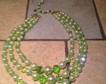 Light Lime Green Pearl and Glass Bead Necklace