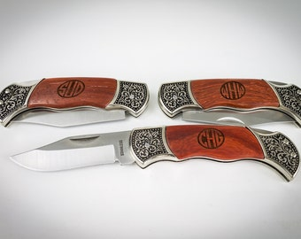 Groomsmen Gift, 10 Monogram Pocket Knives, Custom Engraved Knife, Wedding Favor, Engagement gift, Personalized Pocket Knife, Monogram Knife.