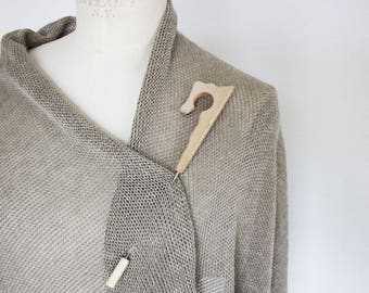 Simple XXL wood jewelry needle in natural wood, brooch scarf/Tuchnadel, cardigan clip