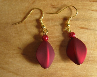 Short Red Dangles