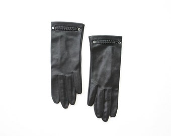 60s Mod Black Gloves / 1960s Wet Look Glossy Sheen Ladies Gloves 60s Vinyl Nylon Womens Gloves / Hansen / Size 6 1/2 / 6.5 / Small