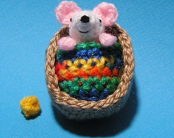PDF Crochet Pattern TINY MOUSE in Walnut Shell (English only)