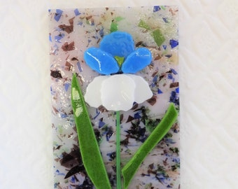 Fused Glass Iris Suncatcher, Blue and White Iris Fused Glass Flower Sun Catcher, Blue Glass Spring Flower Sun Catcher, Garden Art