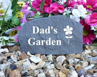 Garden Memorial - Medium Rock (Stone Effect) Personalised - Weatherproof - Mum / Dad